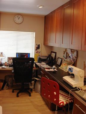 Studio desk shot port