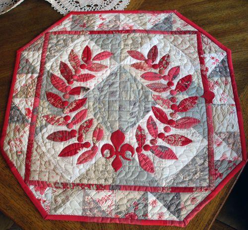 Laurel Wreath Quilt